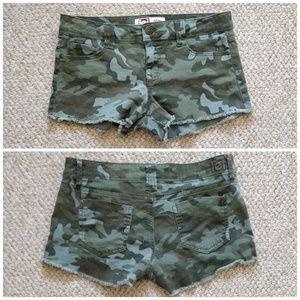 Lei Ashley lowrise camouflage shorts frayed hem 11